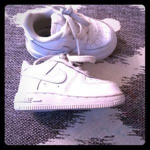 All white Infant Air Force One